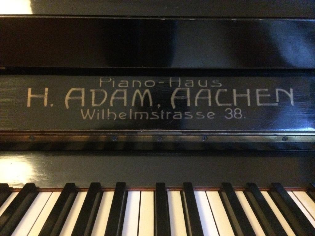 Pianino H. Adam Piano-Haus, Aachen
