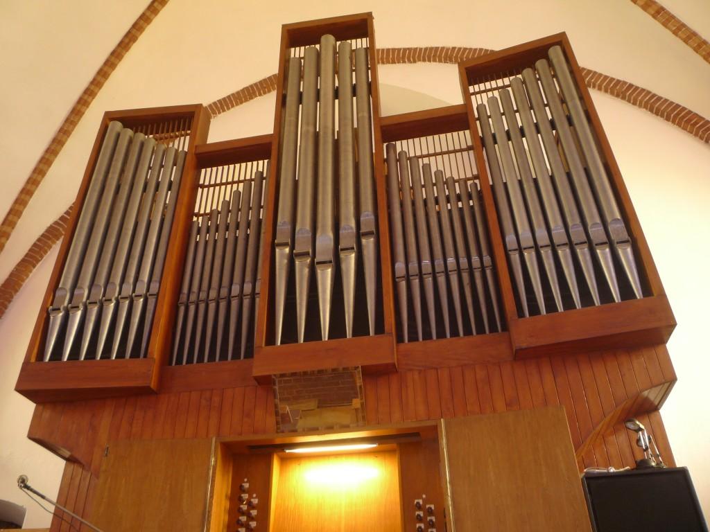 11-Police-kościół-NMP-organy-1